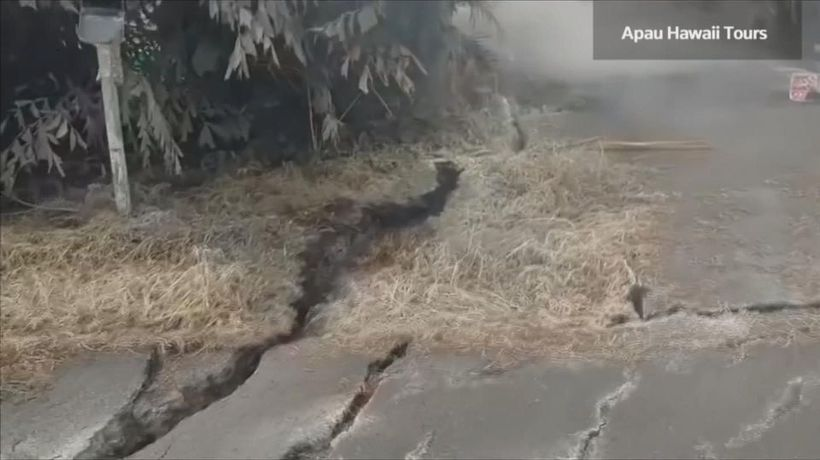 New fissures force more evacuations on Hawaii