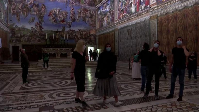 Vatican museums reopen with no crowds