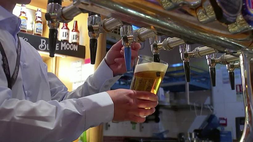 England's pubs, restaurants and hair salons reopen