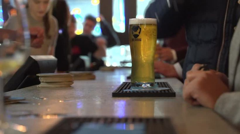 Punters sample new pub with fluctuating pint prices