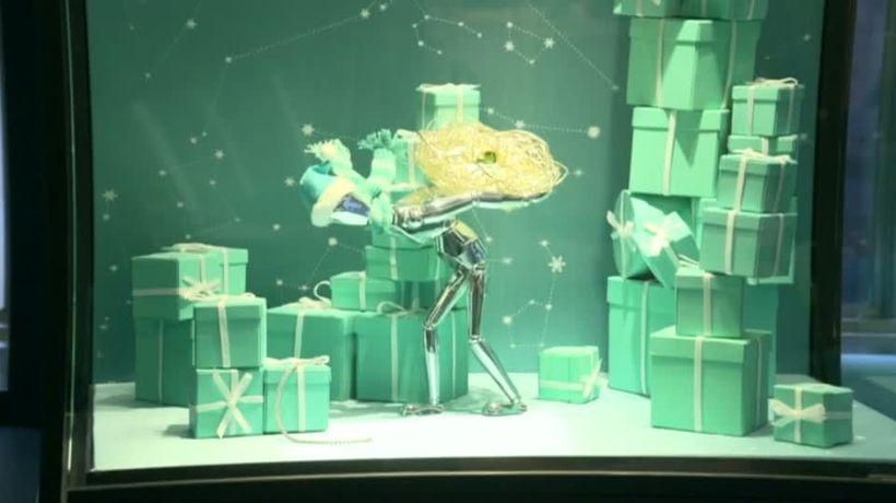 Tiffany loses some holiday sparkle