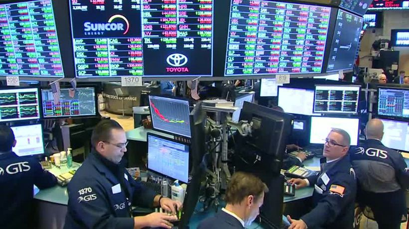 Economic worries weigh on Wall Street