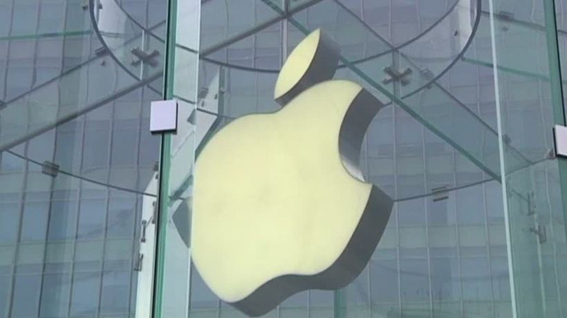 Apple's losing a smartphone turf war in China