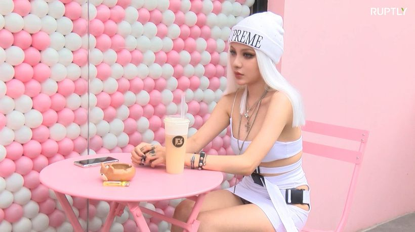 Unreal beauty? Chinese model turns heads for looking like a human ANIME DOLL