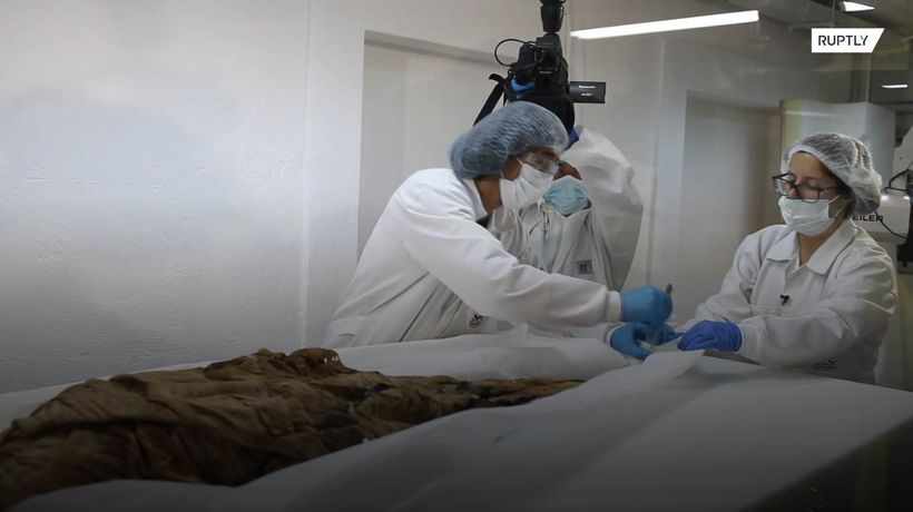 Forensic expert examines mysterious Guano Mummy