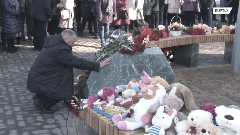 Kemerovo commemorates shopping mall fire victims one year on