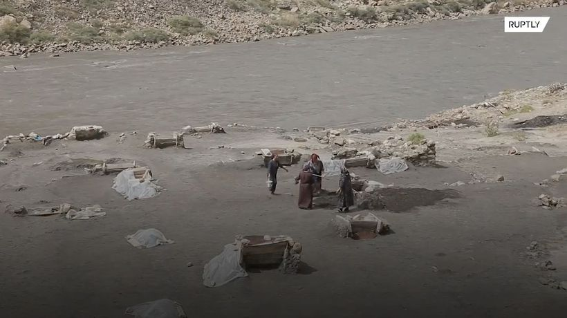 See the women of Dagestan make salt just like they did 500-years-ago