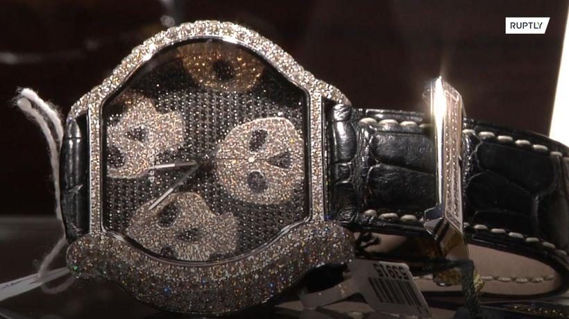 Mexican drug lord jewellery goes on display ahead of government auction