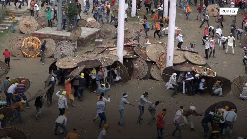 At least 100 injured in Indian stone throwing Bagwal festival
