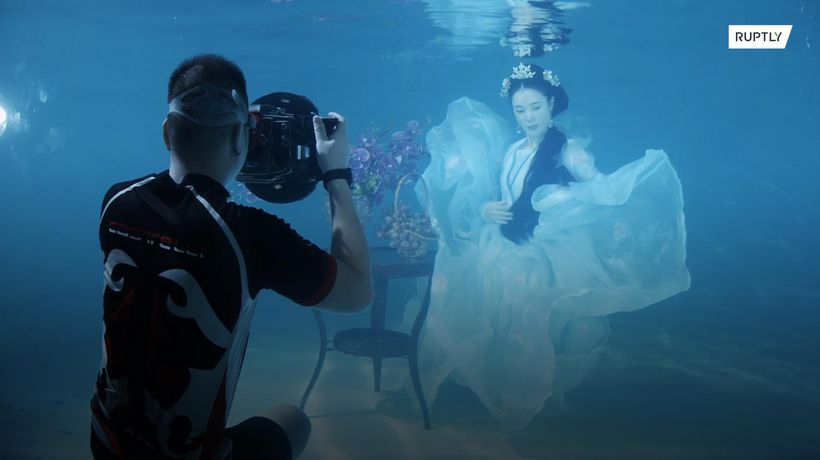 MERMAID model and photographer makes a splash in China
