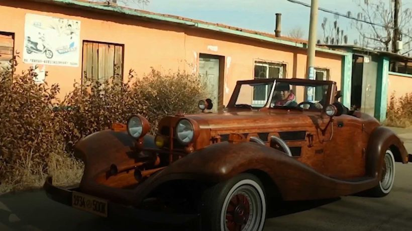 Chinese carpenter makes home-made Mercedes Benz 500k replica out of WOOD