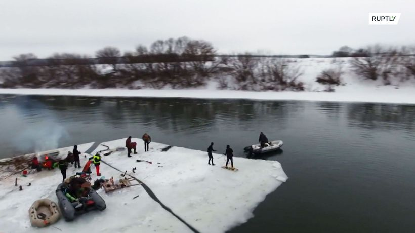 Russian adrenaline junkies break the ice and floe down the Don River!