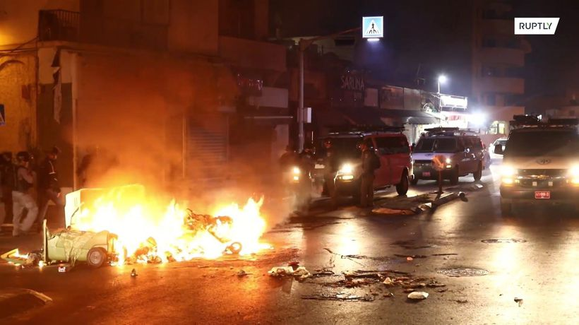 Jaffa streets on fire as hundreds clash with police over Muslim burial ground