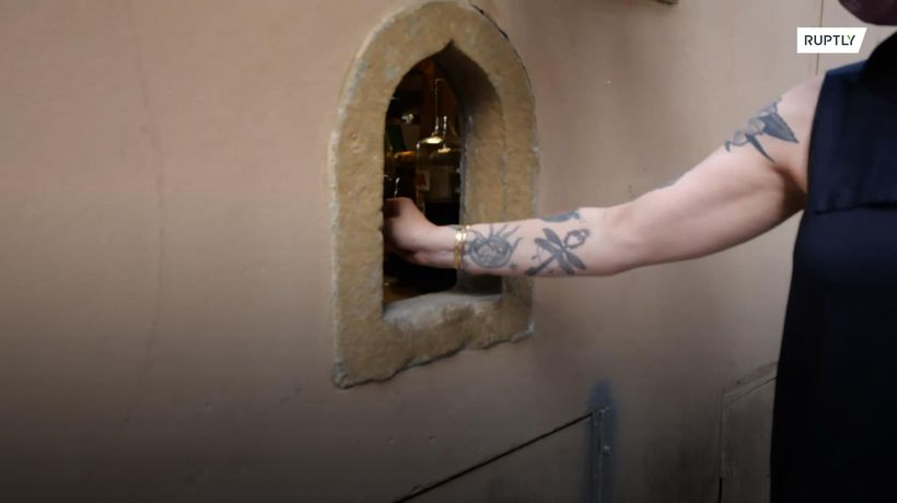 Plague wine windows revived in Italy amid COVID-19 pandemic