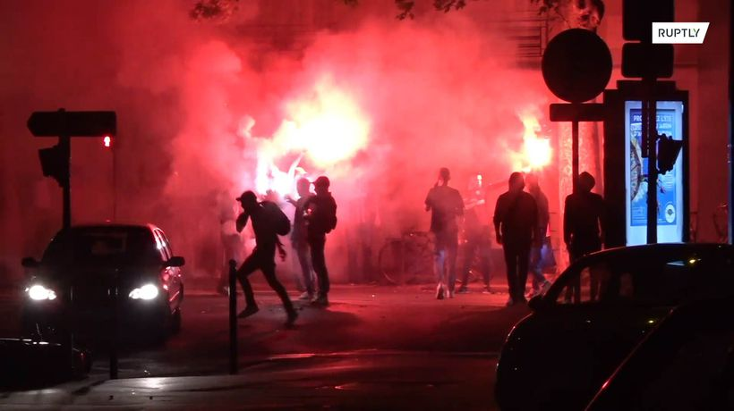 Chaos on Paris' streets following PSG defeat