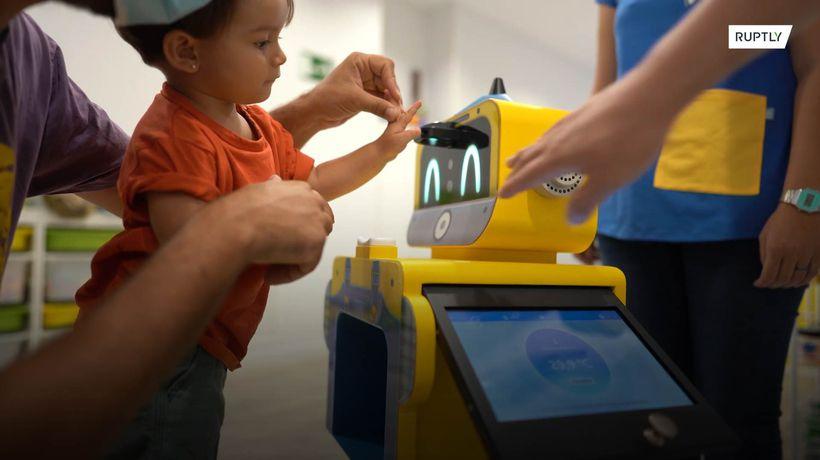'Robo doc' does morning health checks in nursery school amid COVID-19 pandemic