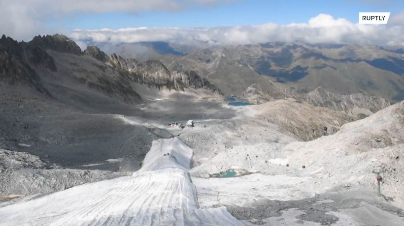 Unwrapping of Presena Glacier kicks off ahead of ski season