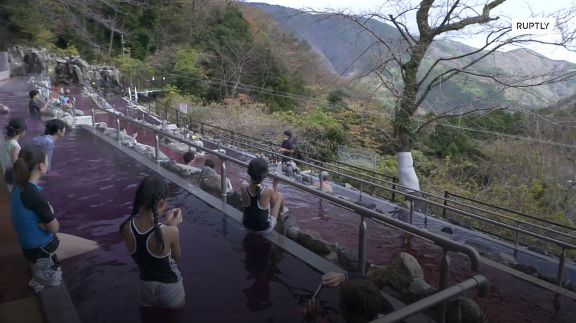 Wine lovers bathe in Beaujolais in Japanese spa