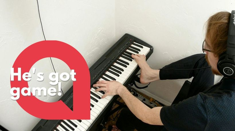 Talented man learns how to play video games and the piano using just one arm and his foot