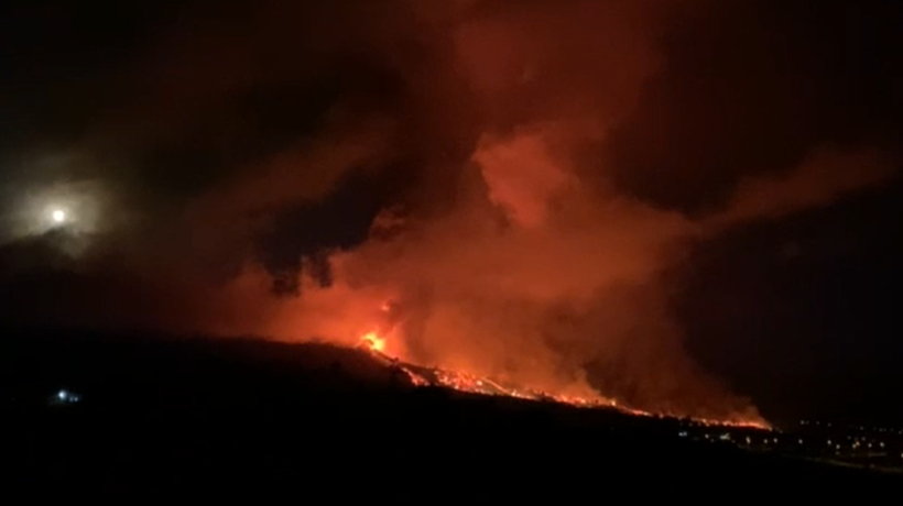 Watch as lava flow from the Cumbre Vieja volcano on the Spanish island of La Palma