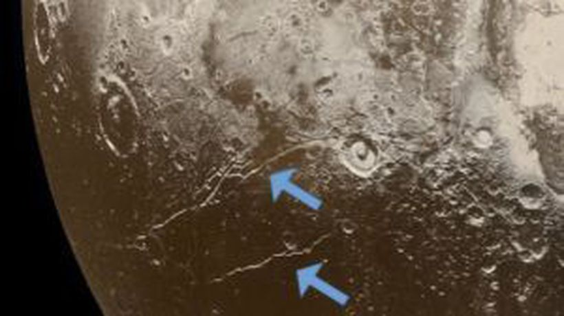 Research Suggests Pluto May Have Started Hot and Had an Ocean From the Beginning