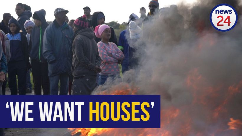 WATCH: Delft residents demand houses | 'I've been on the waiting list for 13 years'