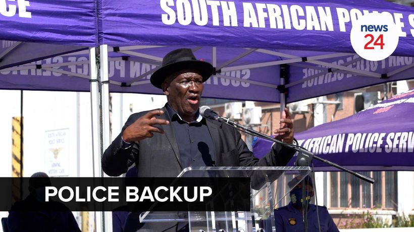 WATCH | Bheki Cele deploys 200 police officers to fight crime in the Western Cape