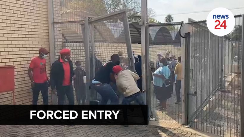 WATCH | EFF members force their way into Pretoria court ahead of trial over deadly WhatsApp clash