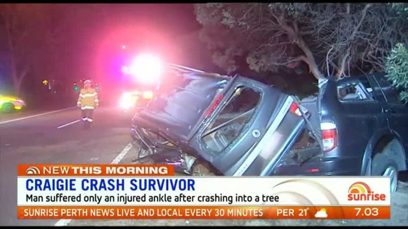 Man escapes with minor injury after crashing into tree