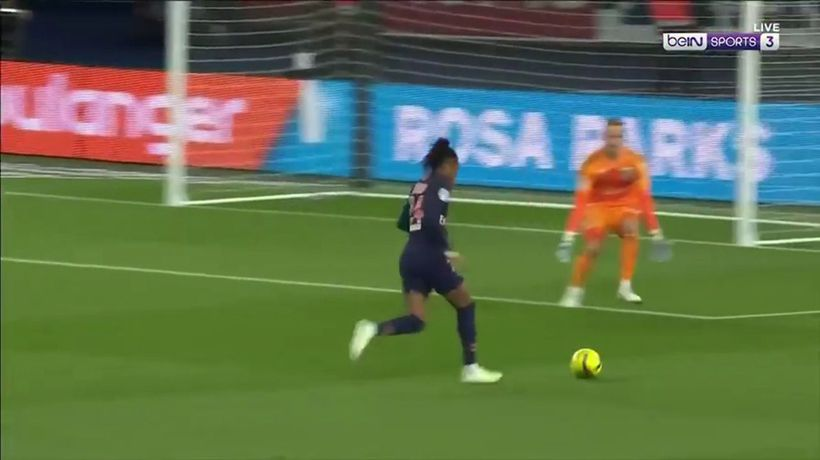 Is this the worst miss in footballing history?