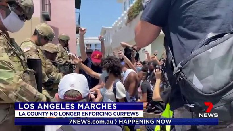 Violence subsides in Los Angeles