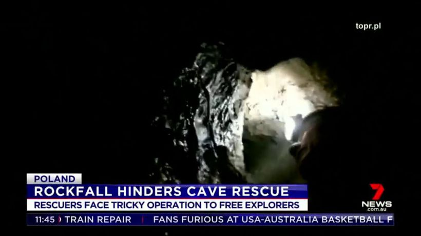 Rockfall hinders cave rescue