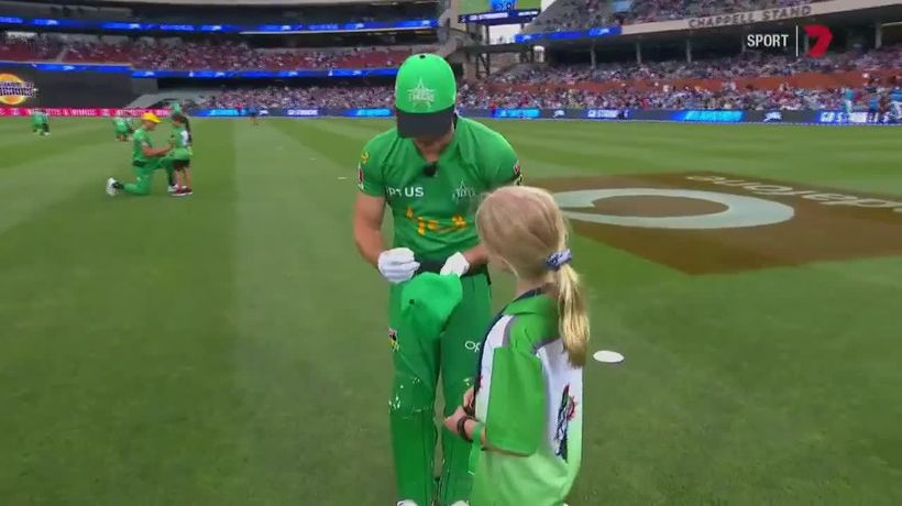 Big Bash star funny interaction with fan