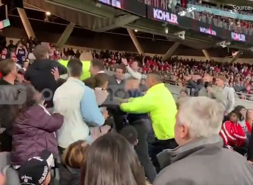 Brawl erupts during Man U-Leeds friendly