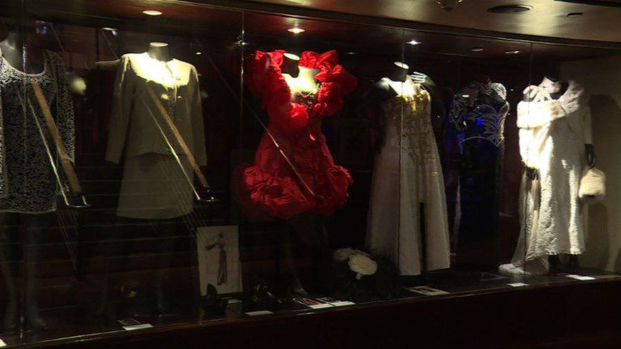 """Queen of Style"" Aretha Franklin's dresses go up for auction"