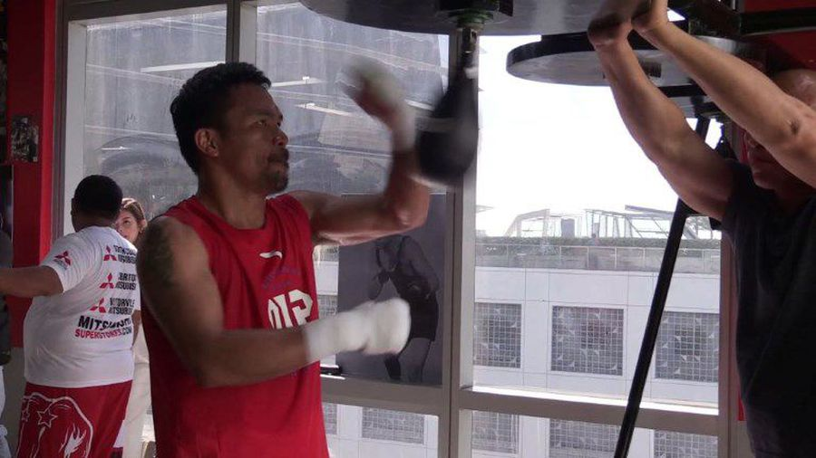 Pacquiao begins training for Broner fight
