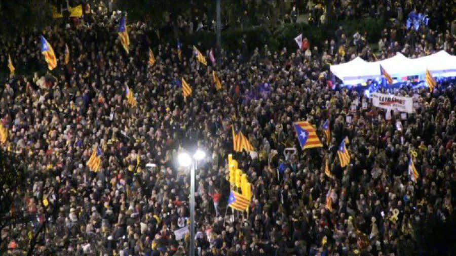 Thousands protest in Barcelona as separatists' trial opens