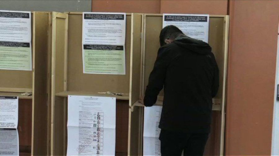 Voters in Dublin cast their ballots in European elections
