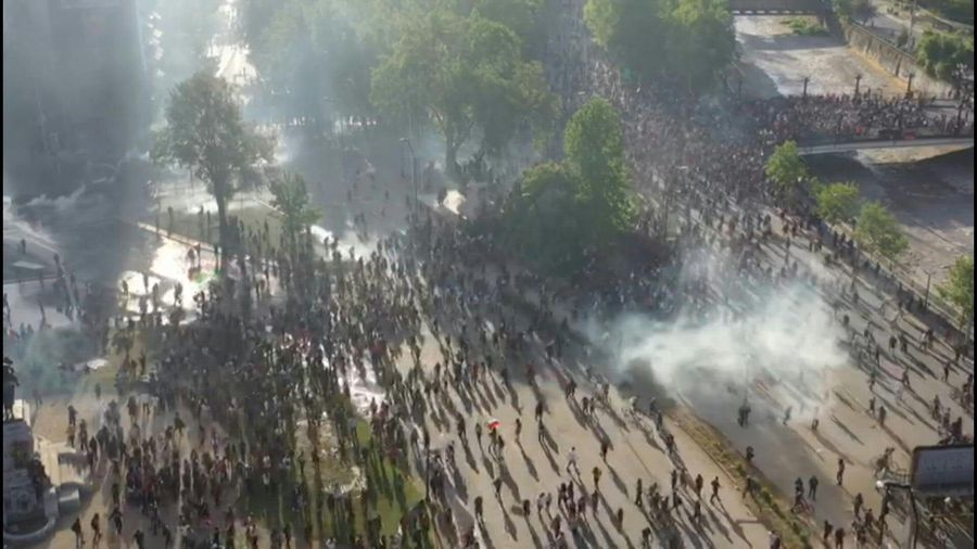 Thousands gather in main plaza in Chile's capital