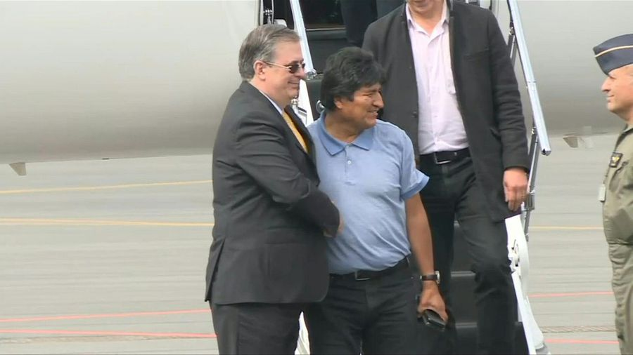 Bolivia's Evo Morales arrives in Mexico under political asylum (3)