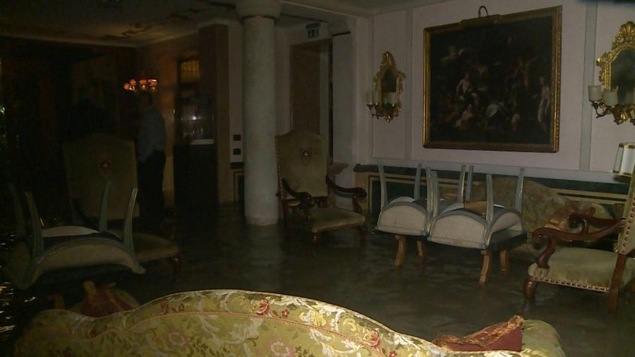 Flooded palace as record high tide hits flooded Venice