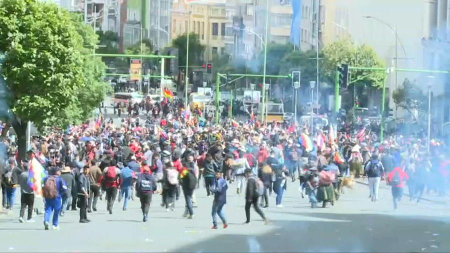 Bolivia police fire gas at anti-government protesters