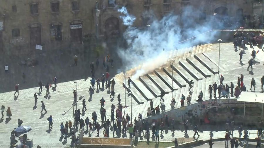 Pro-Morales protesters clash with police in La Paz as unrest continues