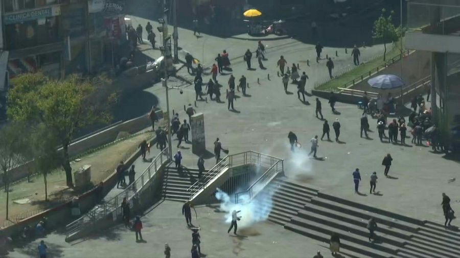 Police break up Bolivia funeral protest using tear gas