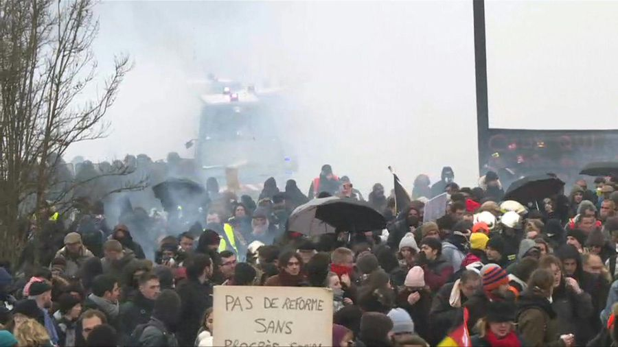 France strikes: brief clashes break out during demonstration against pension reform in Nantes