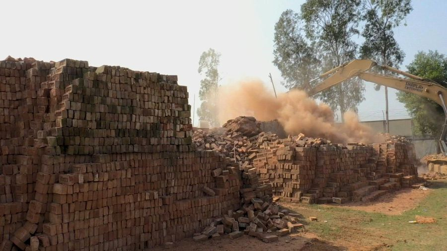 Bangladesh tears down brick kilns to fight toxic smog