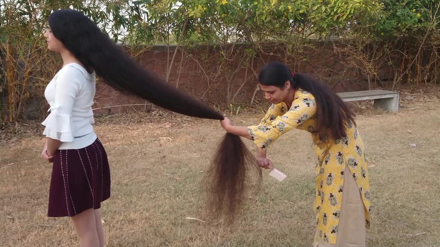 India's 'Rapunzel' remains a cut above with world's longest teen hair