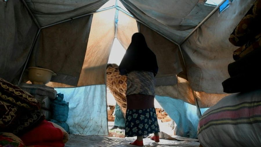 Syria: Displaced families arrive in informal camp near Afrin