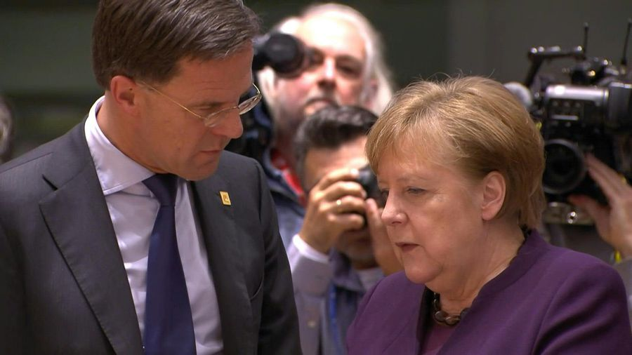 Leaders arrive for EU roundtable talks on longterm budget