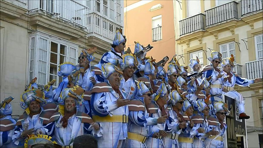 Sing it out loud! Spain's carnival in Cadiz amps up
